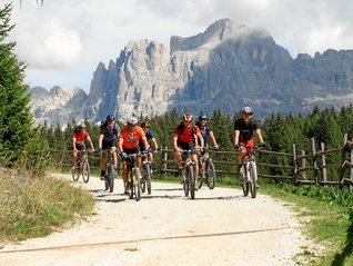 Guided Biktour under the Rosengarten